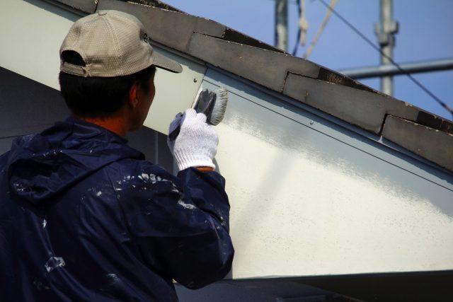 適切なタイミングで外壁塗装・屋根工事を行ないましょう